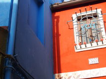 Burano bleu et orange Photographie stock libre de droits