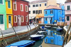 "Burano, †de Itália ""22 de dezembro de 2015: Ilha cênico de Burano da vista na lagoa Venetian Italy Fotos de Stock"