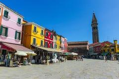 Burano, het eiland van Venetië, kleurrijke stad in Italië Stock Foto