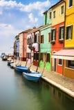 Burano by nära Venise Arkivfoton