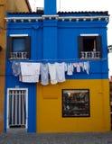 Burano pintou paredes foto de stock