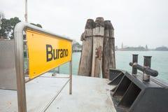 Burano skylt på waterbusstopp Arkivfoto