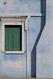 Burano Venedig lagun: detalj av ett målat hus Royaltyfria Bilder