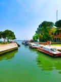Burano, Venetië, Italië - Mei 10, 2014: Kleurrijke oude huizen op het Eiland Royalty-vrije Stock Foto's
