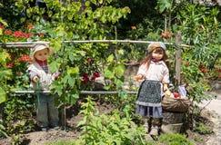 Burattini nel giardino Fotografie Stock Libere da Diritti