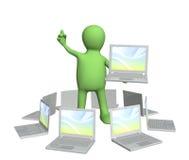 burattino 3d con il computer portatile a disposizione Fotografia Stock Libera da Diritti