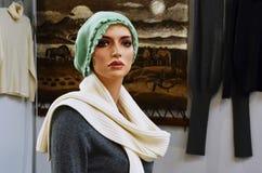 Burattino con la sciarpa leggera Fotografia Stock