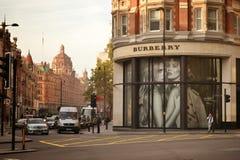 Burberrywinkel Knightsbridge Londen Stock Foto