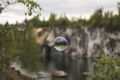 Burbuja de jabón en el aire Foto de archivo libre de regalías
