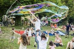 Burbuja de jabón gigante Foto de archivo libre de regalías