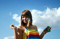 Burbujas de jabón del verano foto de archivo