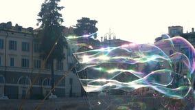 Burbujas de jabón en Piazza del Popolo, Roma metrajes