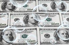 Burbujas de jabón y dólares americanos Fotos de archivo libres de regalías