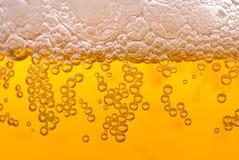 Burbujas de la cerveza Fotografía de archivo