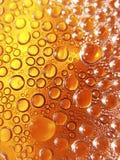 Burbujas de la cerveza Fotos de archivo