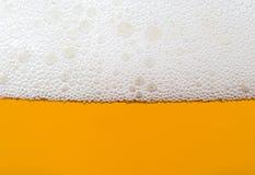 Burbujas de la cerveza Imágenes de archivo libres de regalías