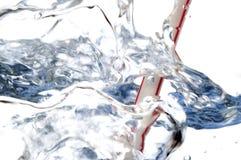 Burbujas de la paja y del agua imagenes de archivo