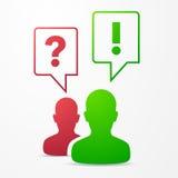 2 burbujas pregunta y respuesta del discurso de las personas rojas/verde Fotografía de archivo libre de regalías