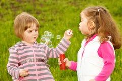 Burbujas que soplan Fotos de archivo libres de regalías