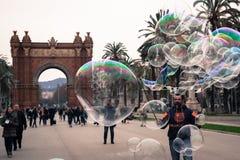 Burbujas que soplan Fotos de archivo