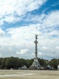 BURDEOS, GIRONDE/FRANCE - 19 DE SEPTIEMBRE: Columna con una estatua o Foto de archivo