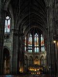 BURDEOS, GIRONDE/FRANCE - 19 DE SEPTIEMBRE: Interior de la iglesia Imagenes de archivo