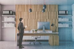 Bureau blanc et en bois de Président modifié la tonalité Images stock