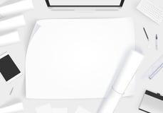 Bureau créatif de concepteur avec la maquette de whatman de papier blanc Photographie stock