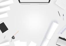 Bureau créatif de concepteur avec la maquette de whatman de papier blanc Images libres de droits