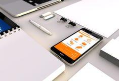 Bureau d'apprentissage en ligne de Smartphone Images libres de droits