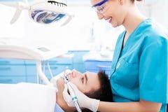Bureau de dentiste image stock