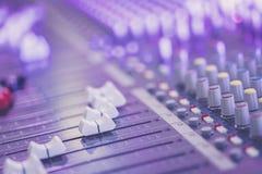 Bureau de m?langeur de studio d'enregistrement sonore : production professionnelle de musique image libre de droits