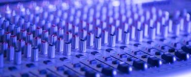 Bureau de m?langeur de studio d'enregistrement sonore : production professionnelle de musique photo libre de droits