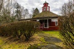 Bureau de poste, épicerie générale et école reconstitués - Fredericktown, Ohio Images libres de droits