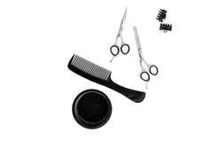 Bureau de travail de coiffeur avec des outils pour des cheveux dénommant sur l'espace blanc de vue supérieure de fond pour le tex Photos stock