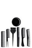 Bureau de travail de coiffeur avec des outils pour des cheveux dénommant sur l'espace blanc de vue supérieure de fond pour le tex Image libre de droits
