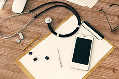 Bureau en bois avec le smartphone vide Images stock