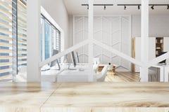 Bureau en bois avec un mur de modèle Photographie stock