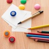 Bureau et fournitures scolaires Photographie stock libre de droits