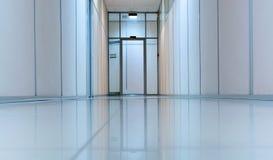 bureau intérieur d'étage vide de couloir de construction haut Photographie stock
