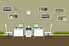 Bureau moderne avec les meubles blancs et l'herbe décorative Photographie stock