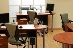 Bureau moderne et léger Image stock