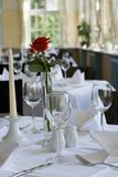 Bureau préparé dans le restaurant Images stock