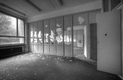 Bureau vide abandonné Images libres de droits