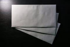 Bureau vide de fond de texture de livre blanc de calibre d'enveloppe de lettre photos libres de droits
