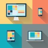 bureaucomputer, laptop, tablet en slimme telefoon op kleuren vectorillustratie als achtergrond Stock Afbeeldingen