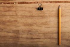 Bureautoebehoren op de achtergrond Royalty-vrije Stock Afbeeldingen