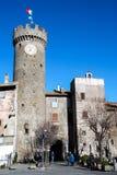 Burg de Bagnaia y torre de reloj foto de archivo libre de regalías