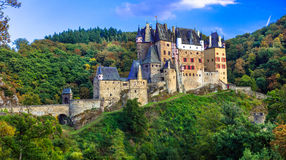 Burg Eltz - één van de mooiste kastelen van Europa duitsland royalty-vrije stock afbeelding
