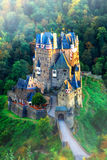 Burg Eltz - château romantique étonnant de Gemany, dans le début de la matinée images stock